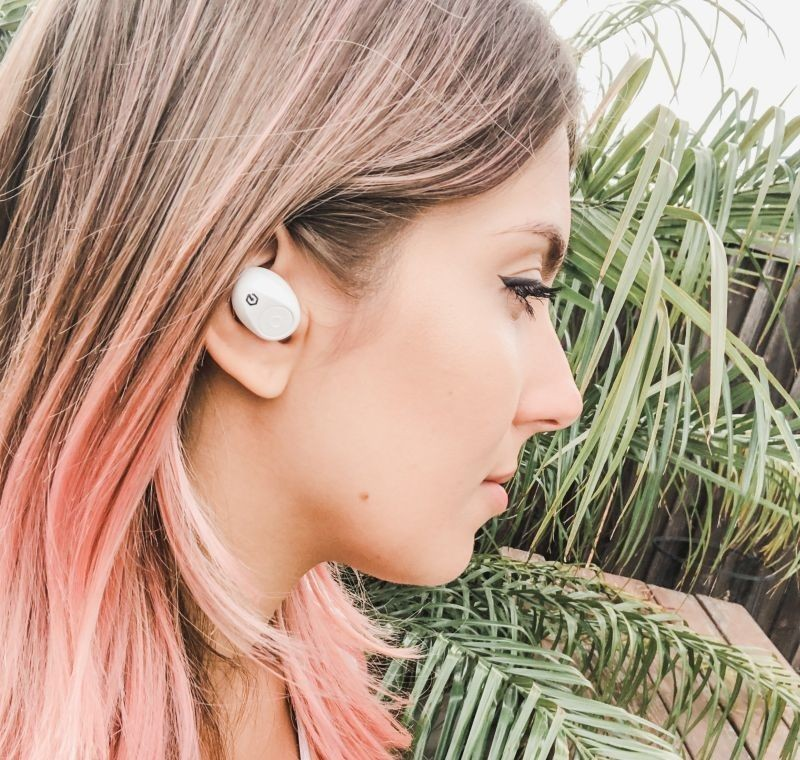 Summer trends in wireless headphones